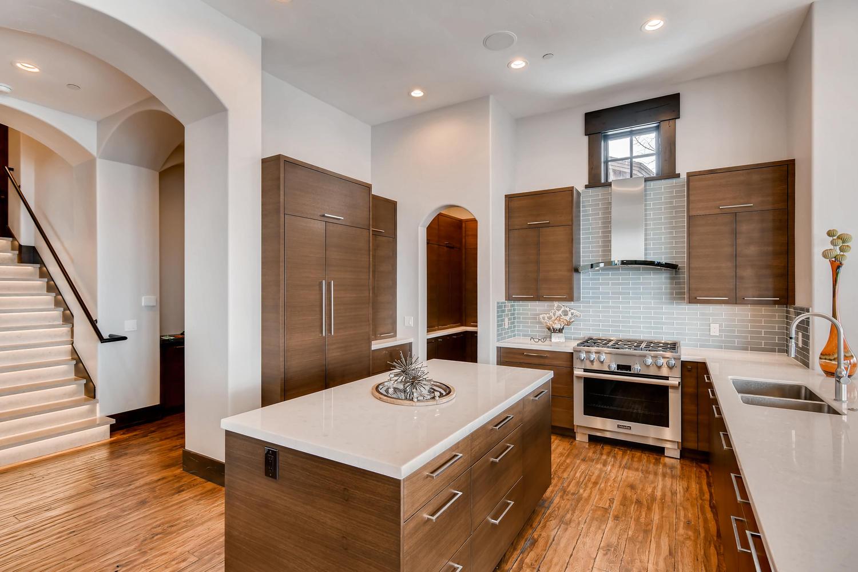 3647 Oak Wood Ct Park City UT-large-017-16-Kitchen-1500x1000-72dpi